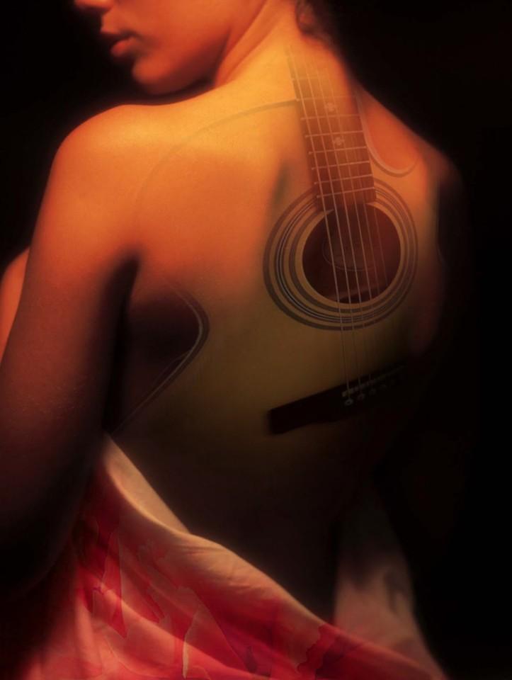 mujer-guitarra-josa