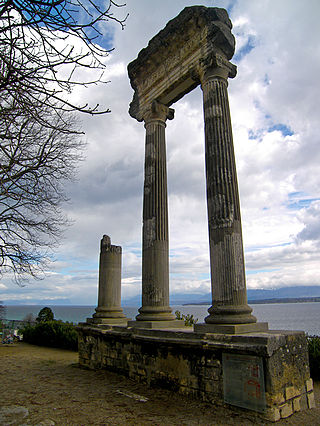 Roman_column_-_Nyon,_Vaud,_Switzerland