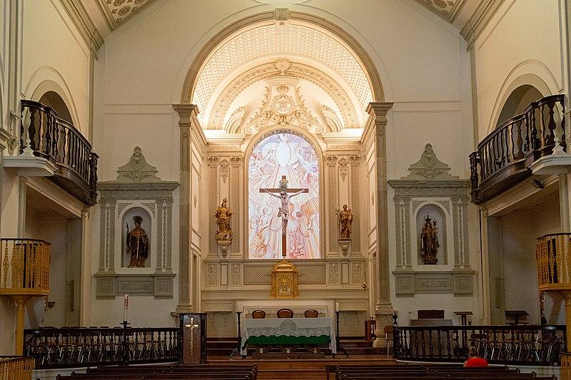 800px-igreja_de_santa_maria2c_lagos2c_september_2019